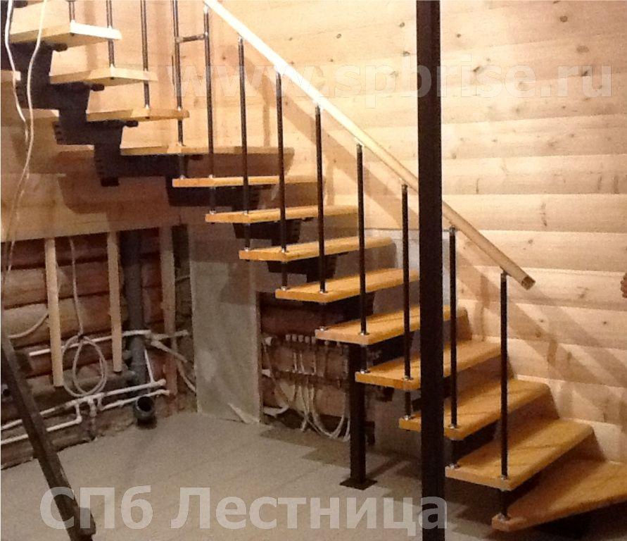 """Купить лестницу на монокосоуре """"ступени из сосны"""" в Санкт-Петербурге"""